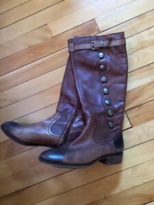 Arturo Chiang Leather Boots - 7.5
