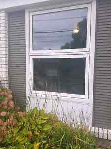 Fenêtre à auvent en pvc