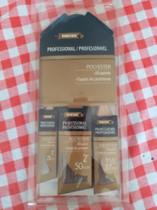 SET OF 3 ANGLED PAINT BRUSHES - BRAND NEW