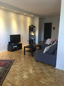 fully renovated 4.5 cote st luc, lease transfer
