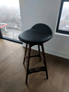Counter Height bar stools with swivel leather seat and wood legs