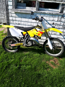 Suzuki rm 125 sell or trade