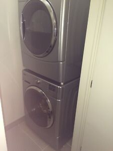 Washer and dryer Maytag 2000 series in excellent condition