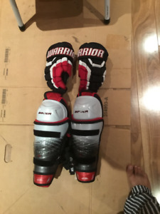 Hockey shin pads and gloves for purchase