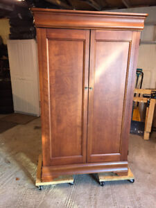 Large Wardrobe Unit
