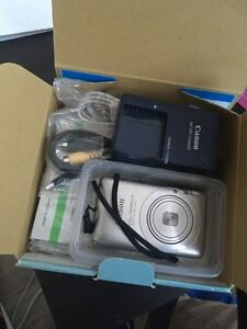 Canon camera in the box for only 40$