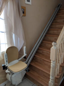 Stairlift, New $3000.00 will sacrifice $1500. Obo  like new.