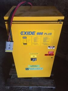 Exide 666 plus 3 phase battery charge like new!