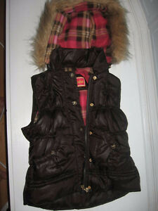 New size 5/6 girl's vest with detachable hood.   New.