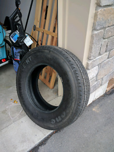 Pneus Firestone Transforce HT LT245/75R17