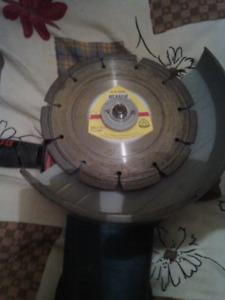 7 inch bosch grinder with cut off blade