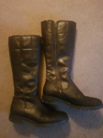 Women's Timberland Brown/Black boots-will post!