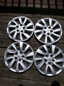 4  Hyundai wheel covers