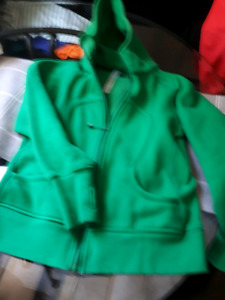 EUC lululemon Green Scuba jacket size 8 dot confirmed