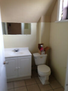 GREAT 3 Bedroom downtown Richmond/Oxford! STUDENTS London Ontario image 1