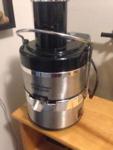 Jack La Lanne's Power Juicer (barely used)
