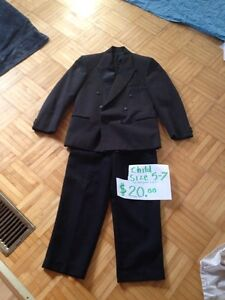CHILD SIZE APPROX 5-7 yrs FORMAL SUIT JACKET AND PANTS Kingston Kingston Area image 1