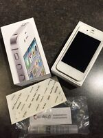 UNLOCKED - White iPhone 4s 64GB with Invisible Shield Casing