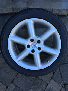 Nissan winter tires with rims. TOYO size (245/45R/18)