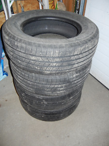 Used set of 4 Michelin Defender 225 65R16