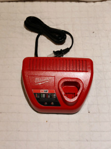 Milwaukee M12 battery charger - NEW