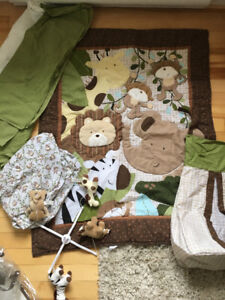 4 piece crib bedding Animal Safari with extras