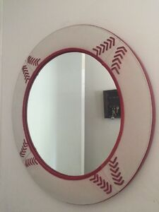 Mirror for red set ( avilable metro place des arts also)