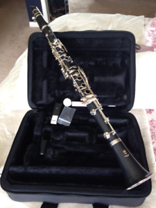 Clarinet with Carrying Case - Yamaha Beginner