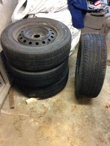 4 pneus d'été NOKIAN Entyre 215/65/r16