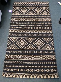 Kayoom rug
