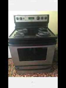 Almost new stainless stove Cambridge Kitchener Area image 2
