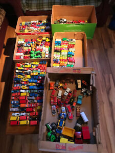 Huge Vintage Diecast Toys Lot of 325  - Online Auction