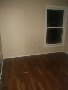 1 Room Available for Rent Immediate Near South Keys