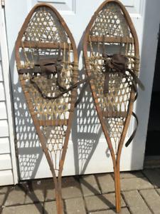 Anciennes raquettes a neige  vintage