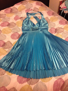 Prom / Formal Women's Dress Size 2XL fits XL