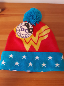 LADIES MULTIPLE COLD WEATHER ACCESSORIES