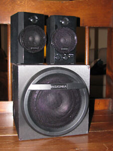 Insignia  2.1 Bluetooth Computer Speaker / brand new