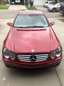 Lo-mileage, Lady owned Mercedes CLK320