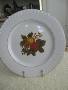 GORGEOUS OLD VINTAGE ENOCH WEDGEWOOD DECORATIVE CHINA PLATE