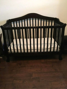 Complete baby nursery in good clean condition!