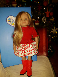 Leoni Maplelea Doll