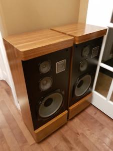 Vintage Sherwood Tower Speakers - Great shape – Nice sound.