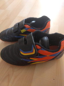 Soccer shoes youth size 2