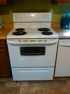 "30"" Frigidaire electric kitchen range"