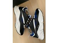 Dior b22 navy trainers