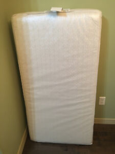 Baby and toddler mattress - Sealy soybean everedge