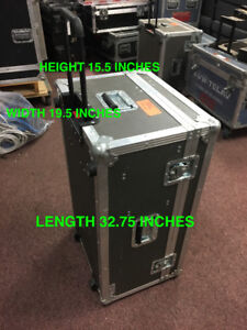 ROAD CASE FOR SALE!! GREAT CONDITION, FLIGHT CASE STYLE