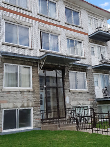 4 1/2 chomedy for rent  , half basement, available now