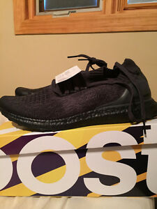 Triple Black Ultra boost Uncaged (Unworn with Tags)