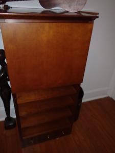 Little cabinet / office, living room or bedroom cabinet